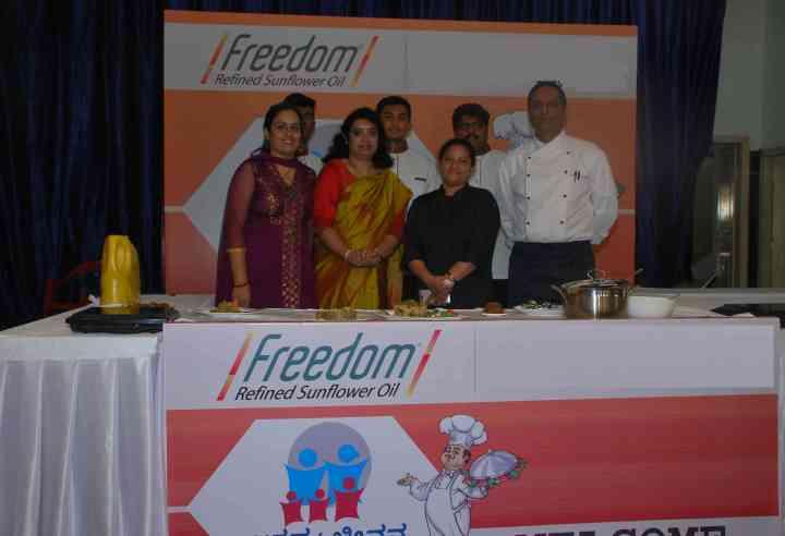 Ms Usha Harish, Nutritionist and Chef Mr Shyam Prasad Team