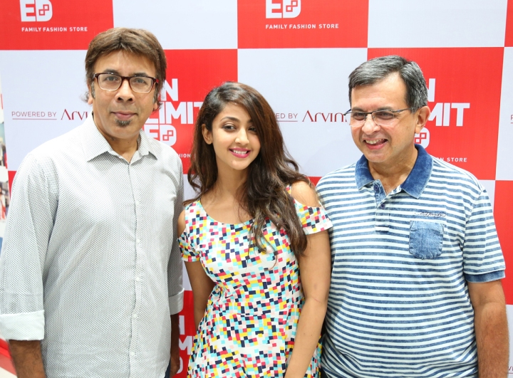 1-Ms. Aindrita Ray in the presence of Mr. J Suresh, MD & CEO of Arvind Lifestyle Brands Ltd and C.S.Shekar CEO Arvind Unlimited