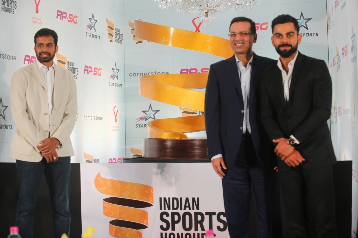 (L-R) Badminton player Pullela Gopichand, Sajiv Goenka, Chairman - RPS Group and cricketer Virat Kohli at the launch of RP-SG Indian Sports Honours 2