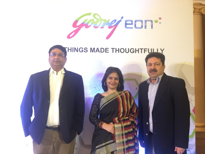 L_R Mr.Sanjeev Jain, National Sales Head, Godrej Appliances, Dr.Debmita Dutta,MBBS,MD, General Physician & Parenting and wellness consultant at the launch of its new range Front Load Was