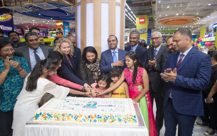 Cake Cutting by Aadya Udupi child artiste from Kannada Film Industry and 4 other prominent young achievers from various fields to launch first Toys R Us store in Bangalore in Phoenix Ma