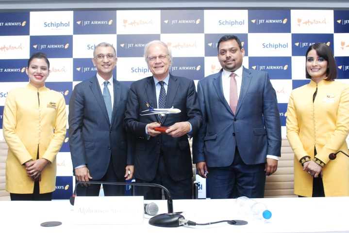L-R Mr. Vinay Dube, Chief Executive Officer, Jet Airways, H.E. Alphonsus H.M. Stoelinga, Ambassador of the Netherlands to India & Mr. Praveen Iyer, VP Commercial India Sales addressing m