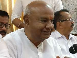 deve-gowda-says-god-will-come-to-his-aid-to-win-the-agnipariksha-of-state-elections
