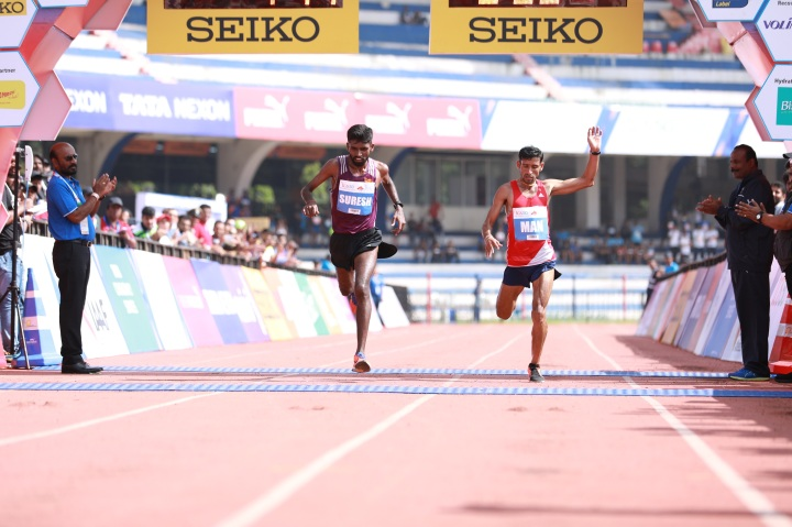 TCS World 10K 2018-Suresh Kumar finishing at the photo finish at the Men's Elite category