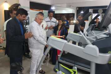 Mr. Sudhindra, Managing Director of Hara Fitness assisting Sri Ramalinga Reddy MLA, BTM Layout to get GYM experience at Office in Bengaluru.