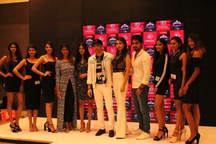 Miss Diva winners with Judges RJ Nethra, Sushruthi krishna, fbb colors femina miss india 2016 runner up, Ramesh dembla, Ava sarai, MODEL Actress, Ragshit gowda, Actor