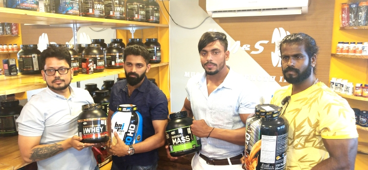 2 -1 -Social Media sensations and Indian fitness trainers Vipin Yadav & Robin John and Muscle and Strength India Founder Mr.Praveen Chirania