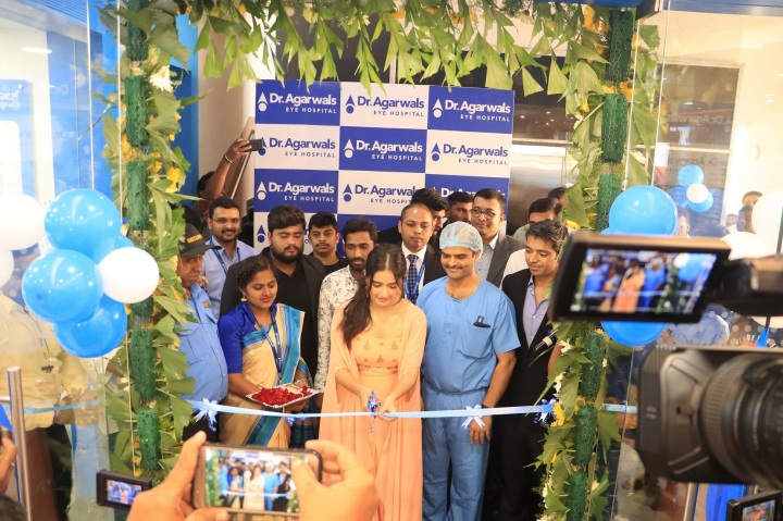 Pic 001- Dr Agarwal's Eye hospital inauguration by Ashika Ranganath